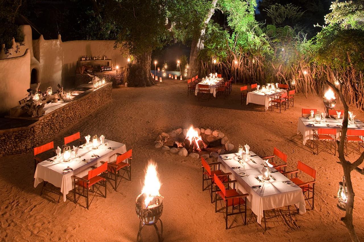 Jantar boma, River Lodge