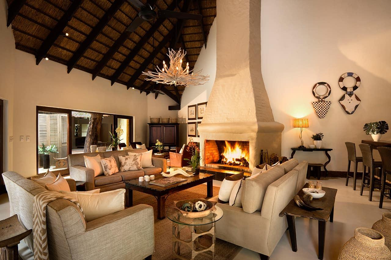 Lounge, River Lodge