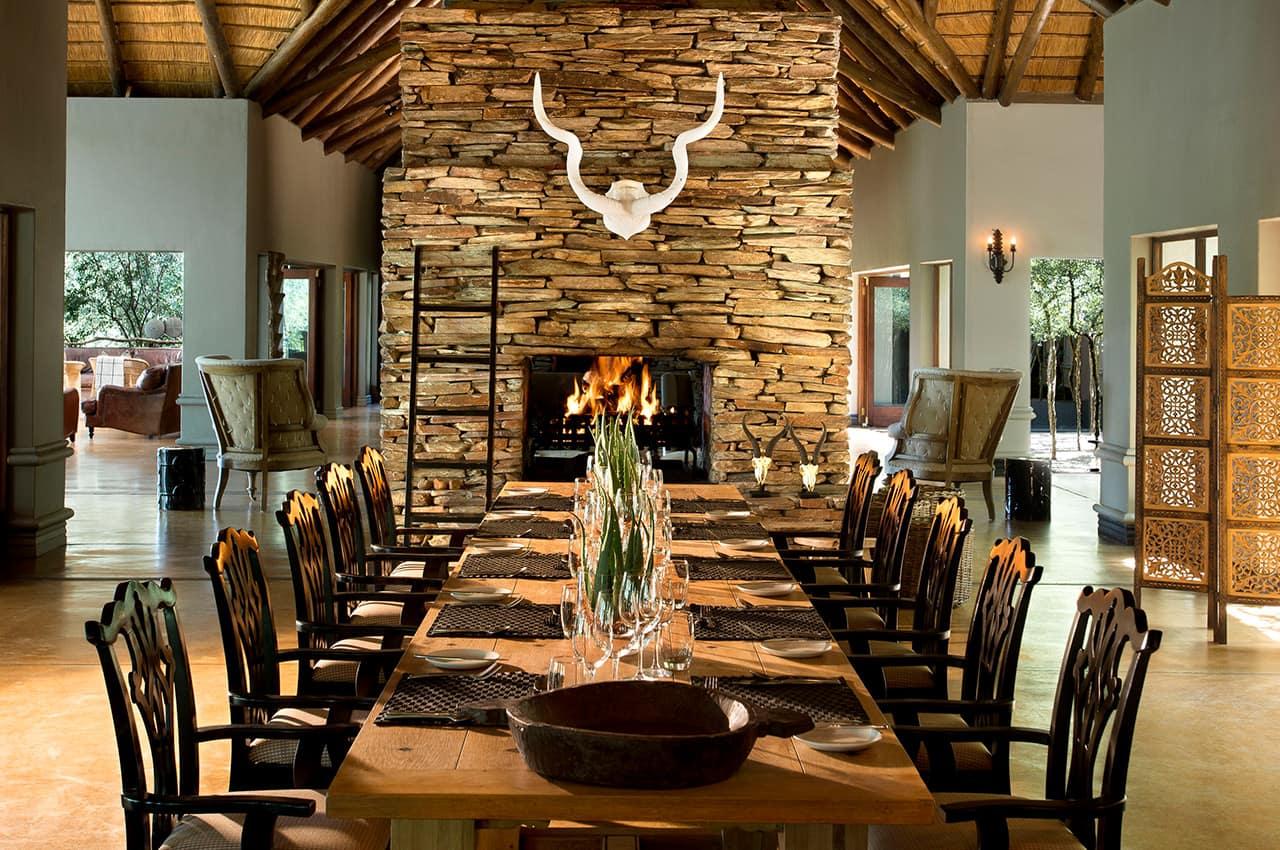 Sala de jantar, Tinga Lodge