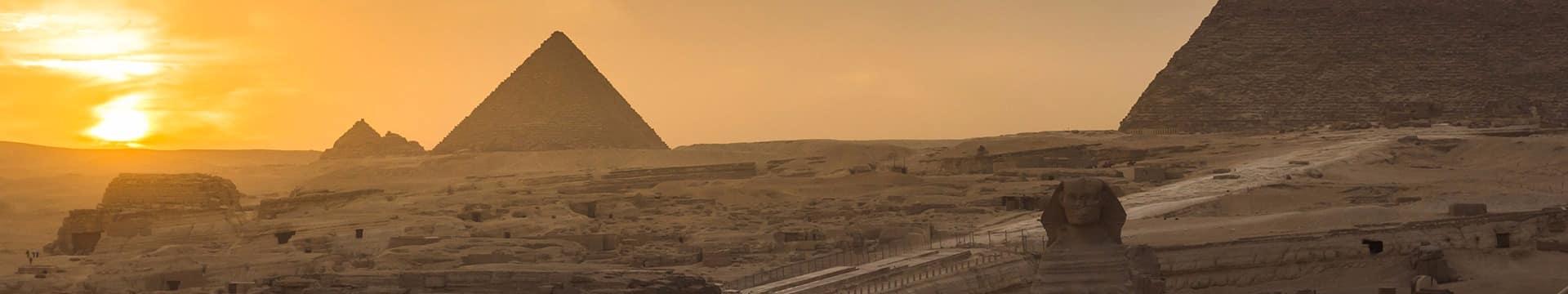 Pirâmides de Gizé, região do Cairo.