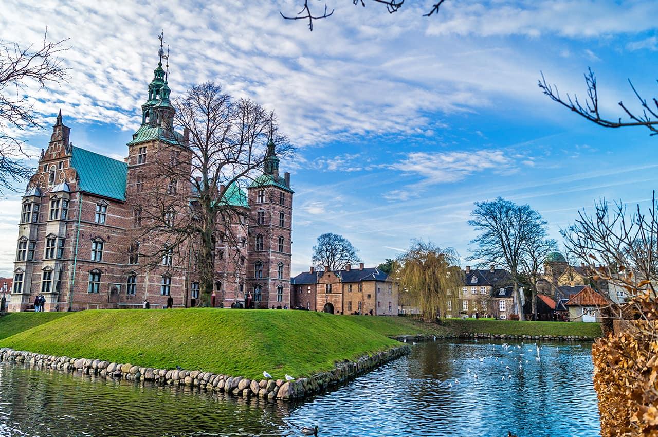 Vista do Castelo Rosenborg - Copenhagen, Dinamarca.
