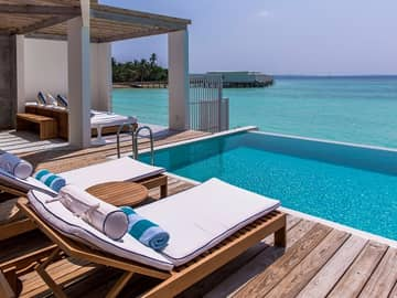 Amilla ocean lagoon house deck