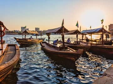 Emirados Árabes (Dubai e Abu Dhabi)