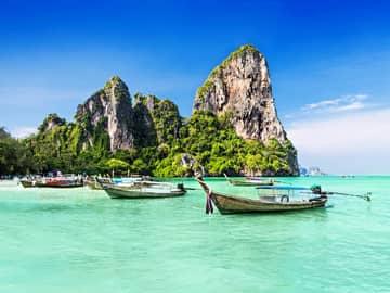 Barcos típicos Maya Bay, Tailândia