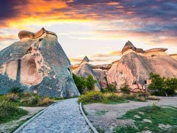 Cânio próximo a Cavusin - Capadócia, Turquia.