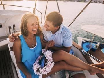 Casal em lua de mel na Grécia