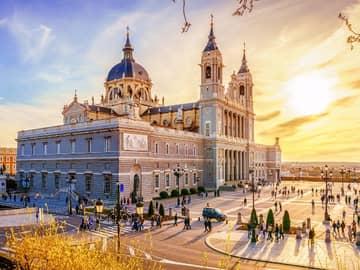 Self-drive na Espanha: Madri e Andaluzia