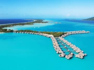 Papeete & Bora Bora – St. Regis Bora Bora Resort