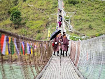 Six senses punakha ponte suspensa