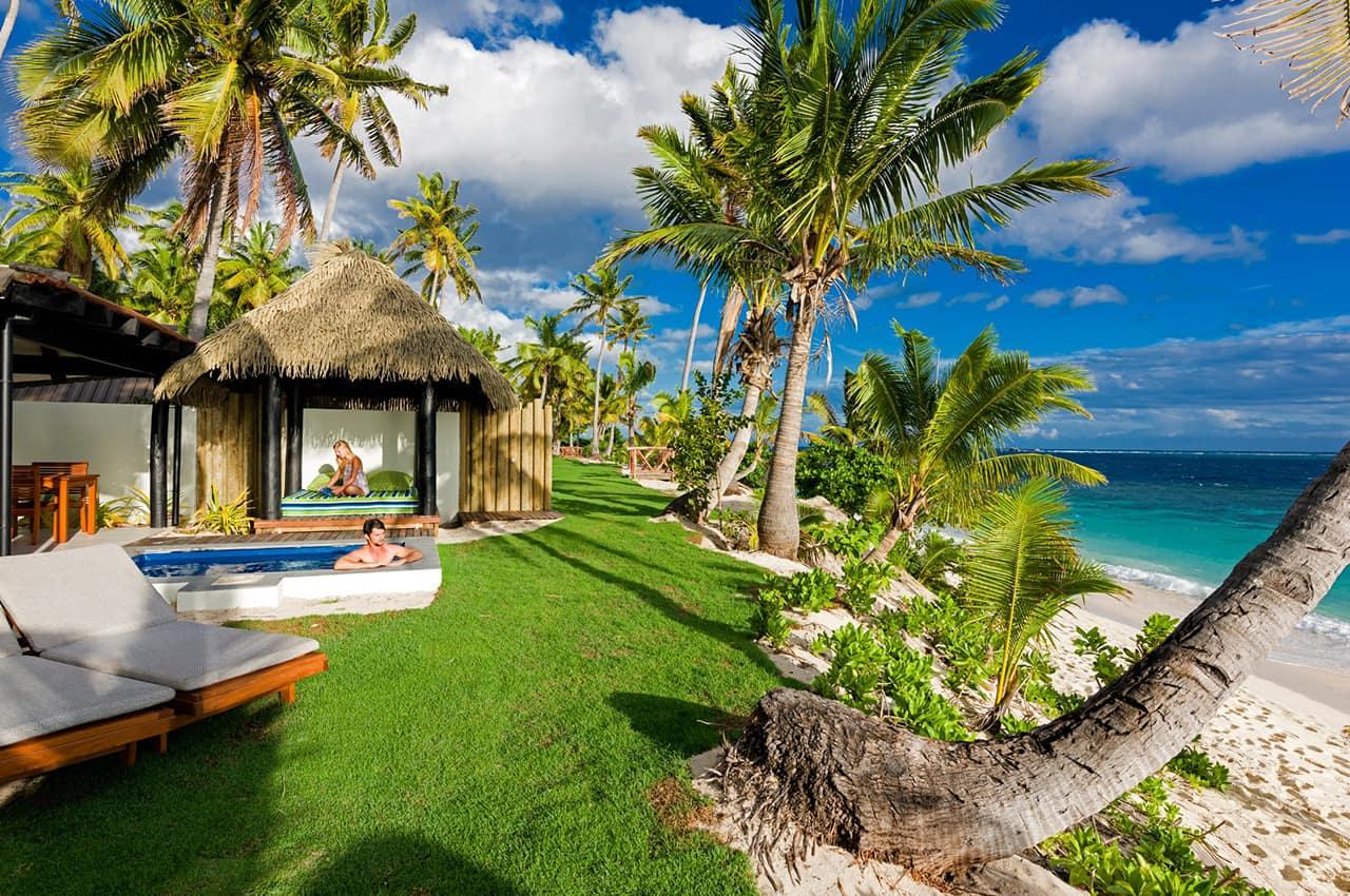 Exterior Beachfront Bure, Matamanoa Island Resort