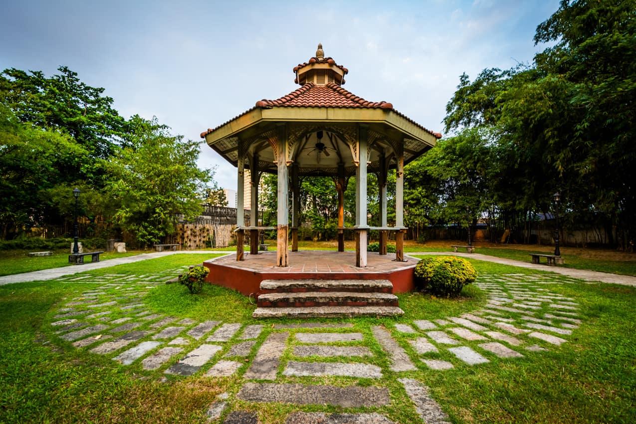 Gazebo no Forte Santiago em Manila