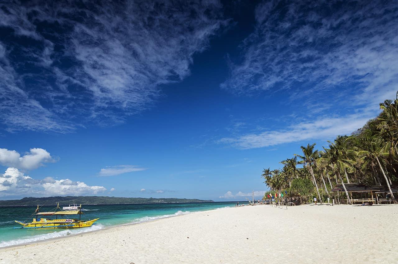 Barcos ferry Praia Puka, Boracay, Filipinas Turismo