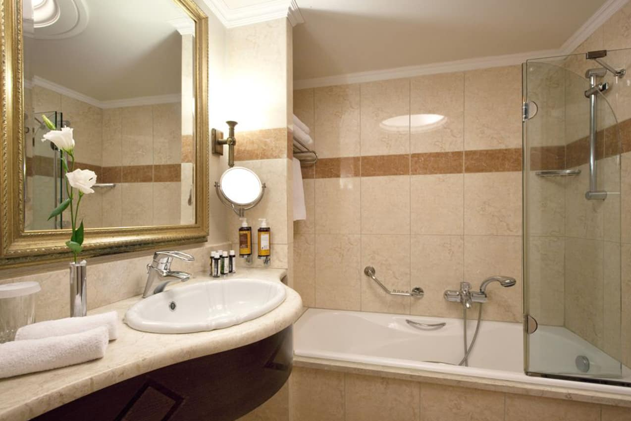 Banheiro Superior King Room, Electra Palace Athens