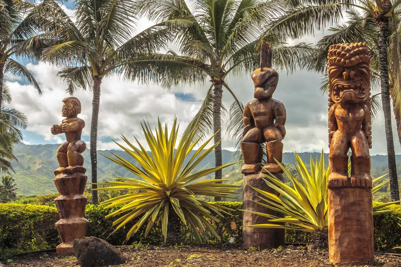 Esculturas polinésias tiki, Oahu, Havaí