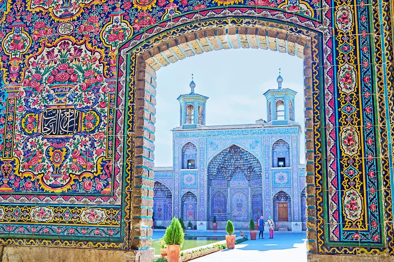 Portal da Mesquita Nasir Ol-Molk - Shiraz, Irã.