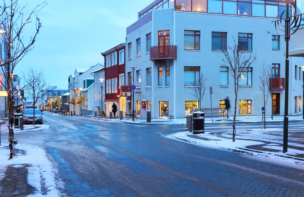 Prédios cidade Reykjavik inverno, Islândia