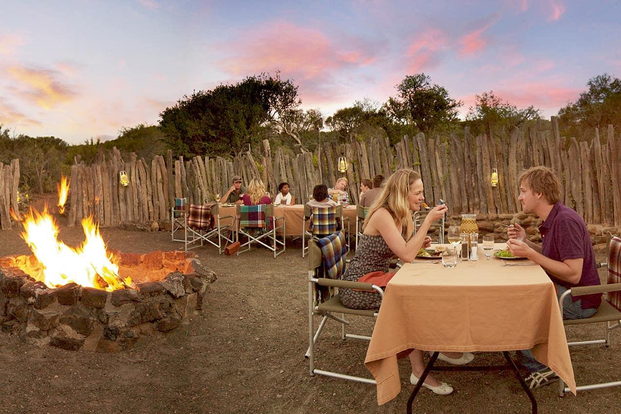 Tradicional jantar boma na reserva de animais
