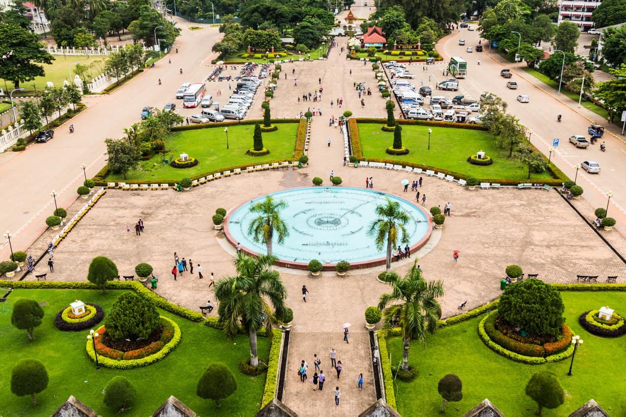 Turismo Laos, vista Arco Triunfo Patuxai, Vientiane