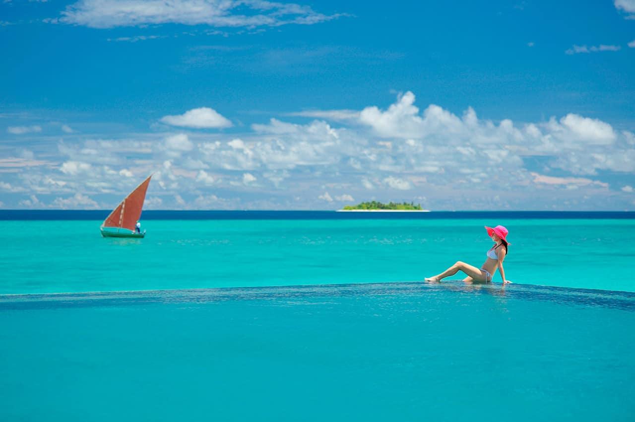 Ayada maldives piscina