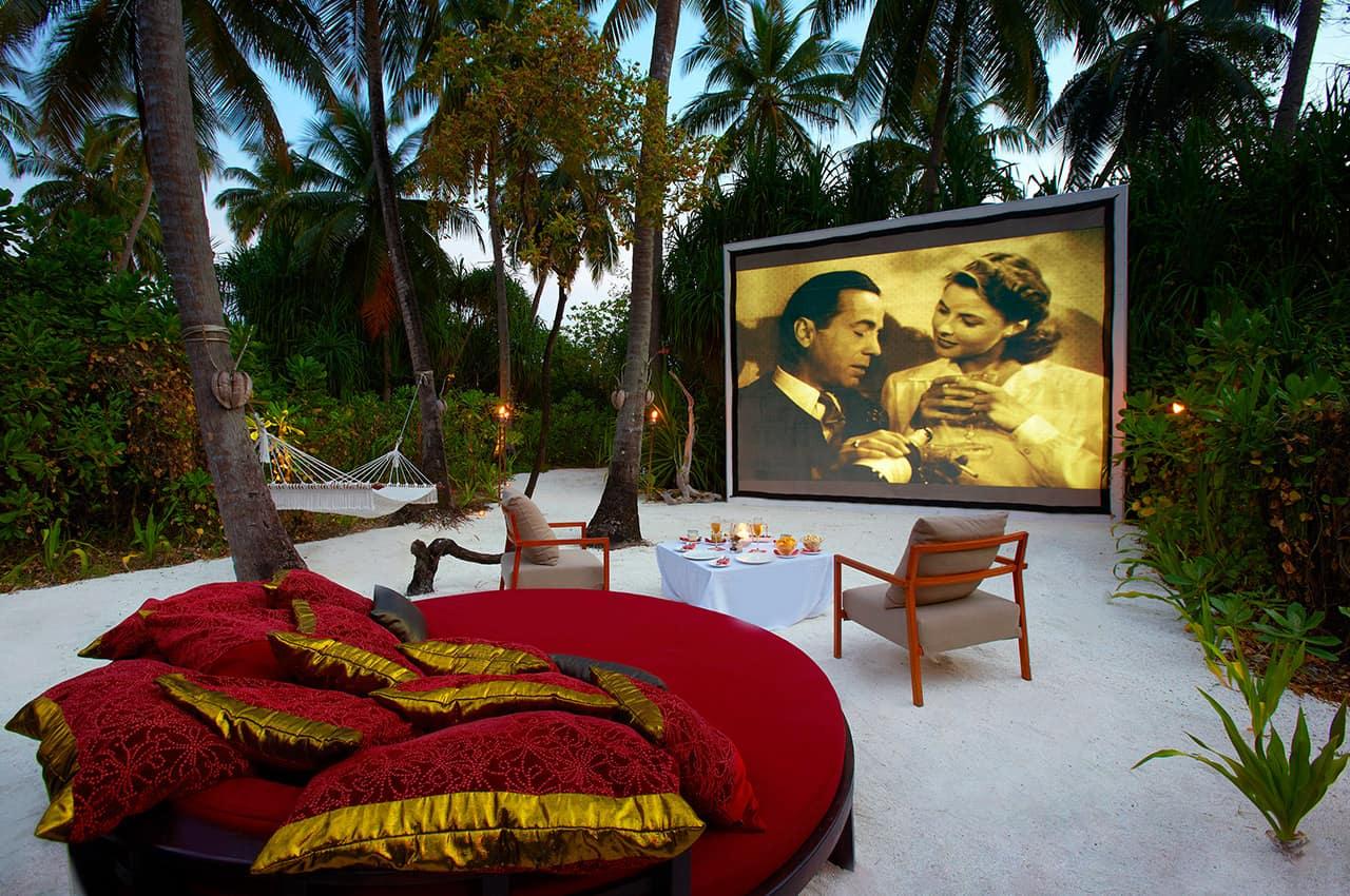 Cinema ao ar livre no Anantara Kihavah