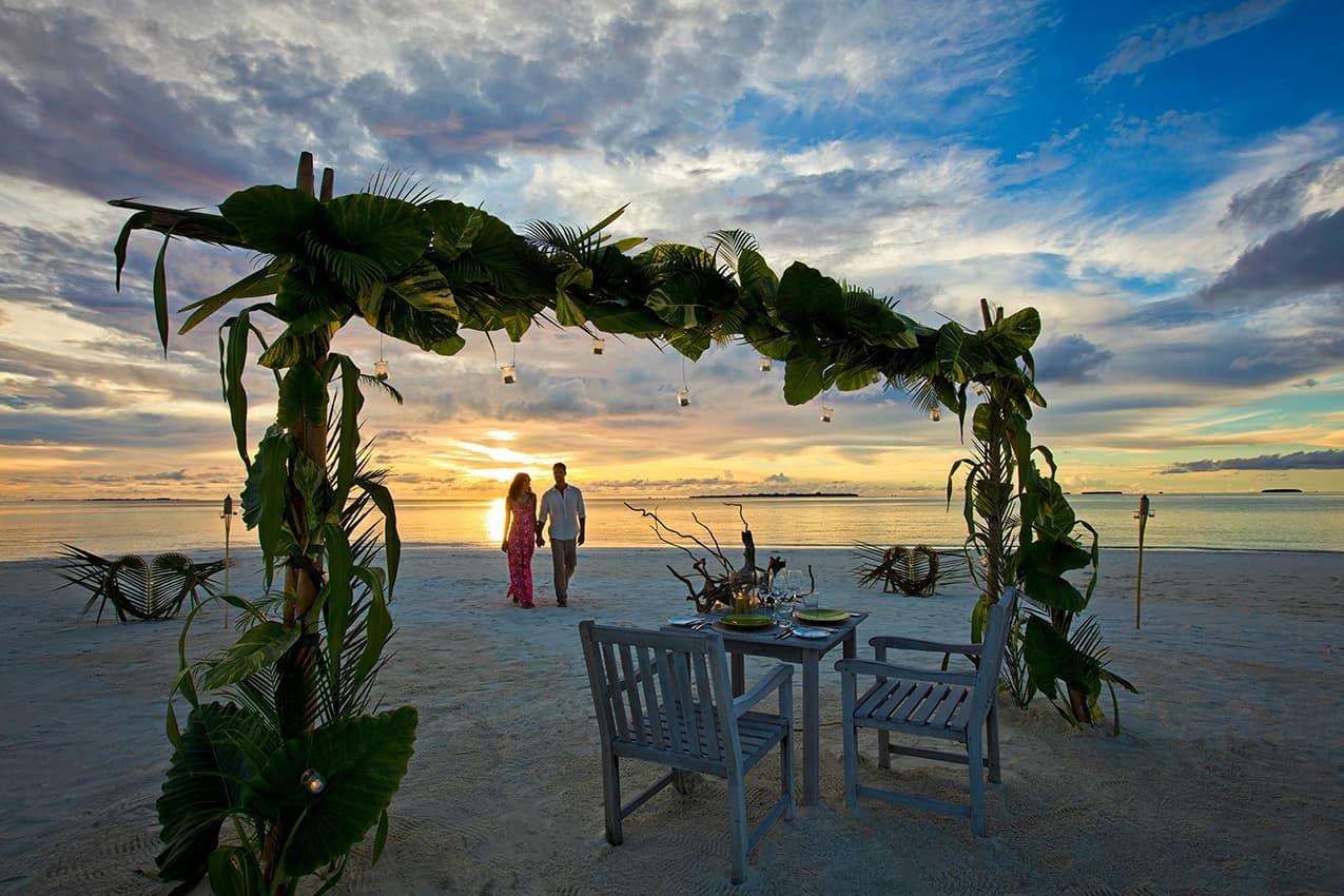 Jantar privado na praia Kanuhura Maldives