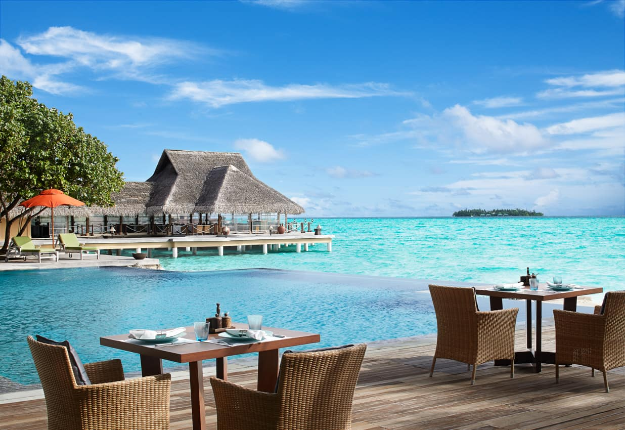 Restaurante piscina, Taj Exotica Resort, Ilhas Maldivas