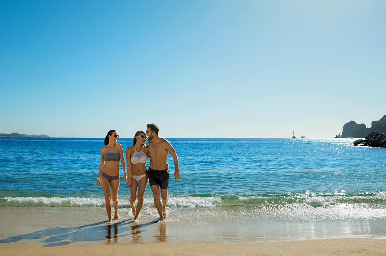 Breathless cabo san lucas grupo amigos praia
