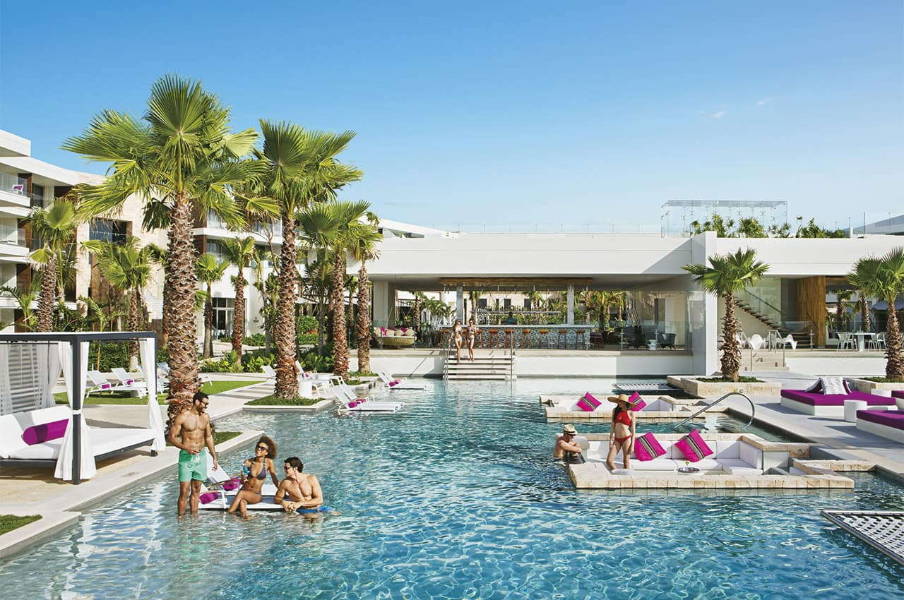 Breathless cancun vista piscina