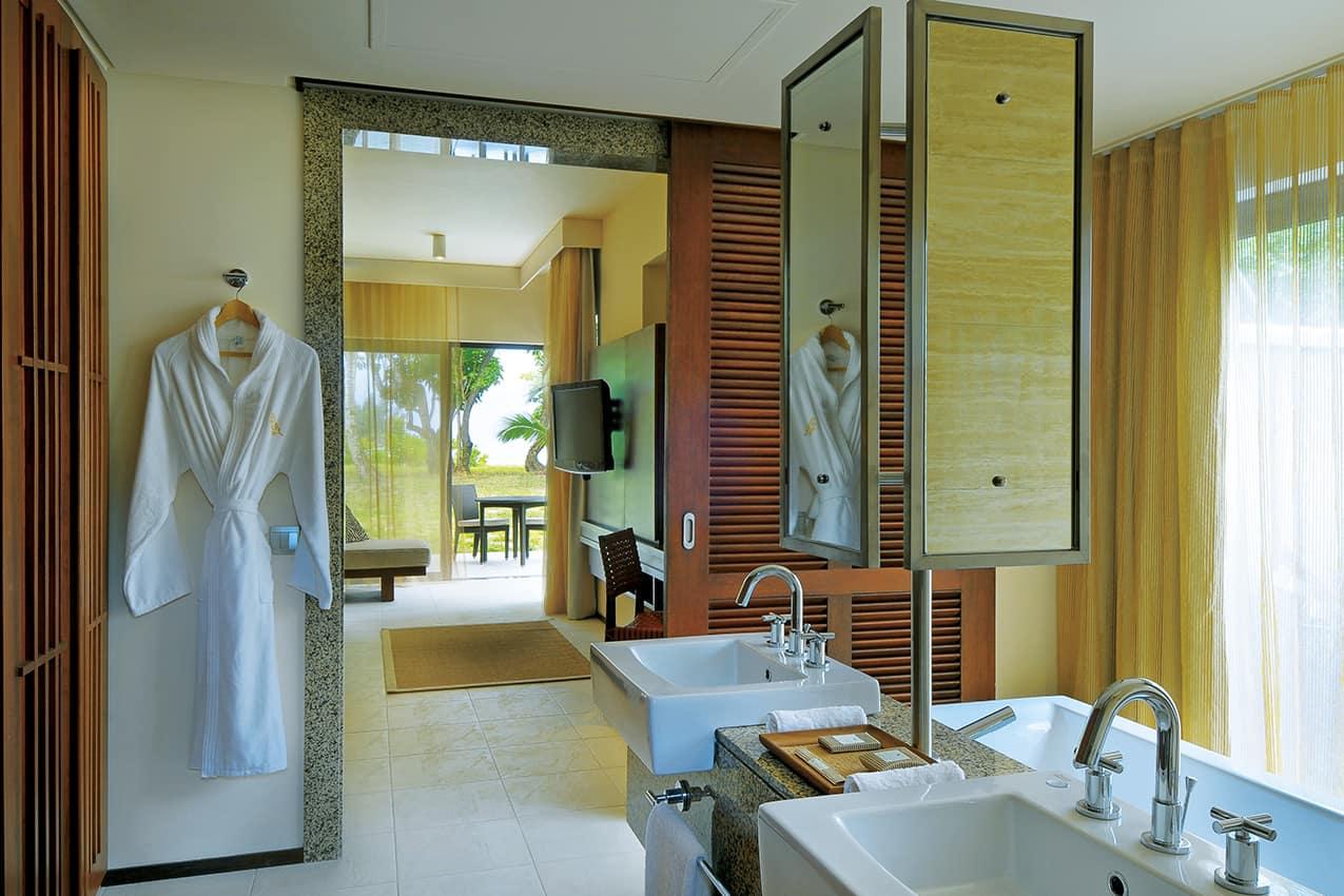 Banheiro Junior Suite, Constance Ephelia