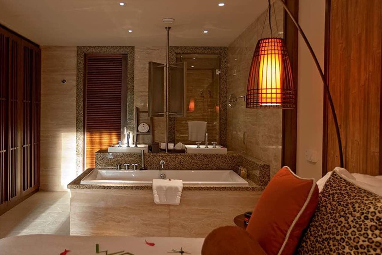 Banheiro Senior Suite, Constance Ephelia