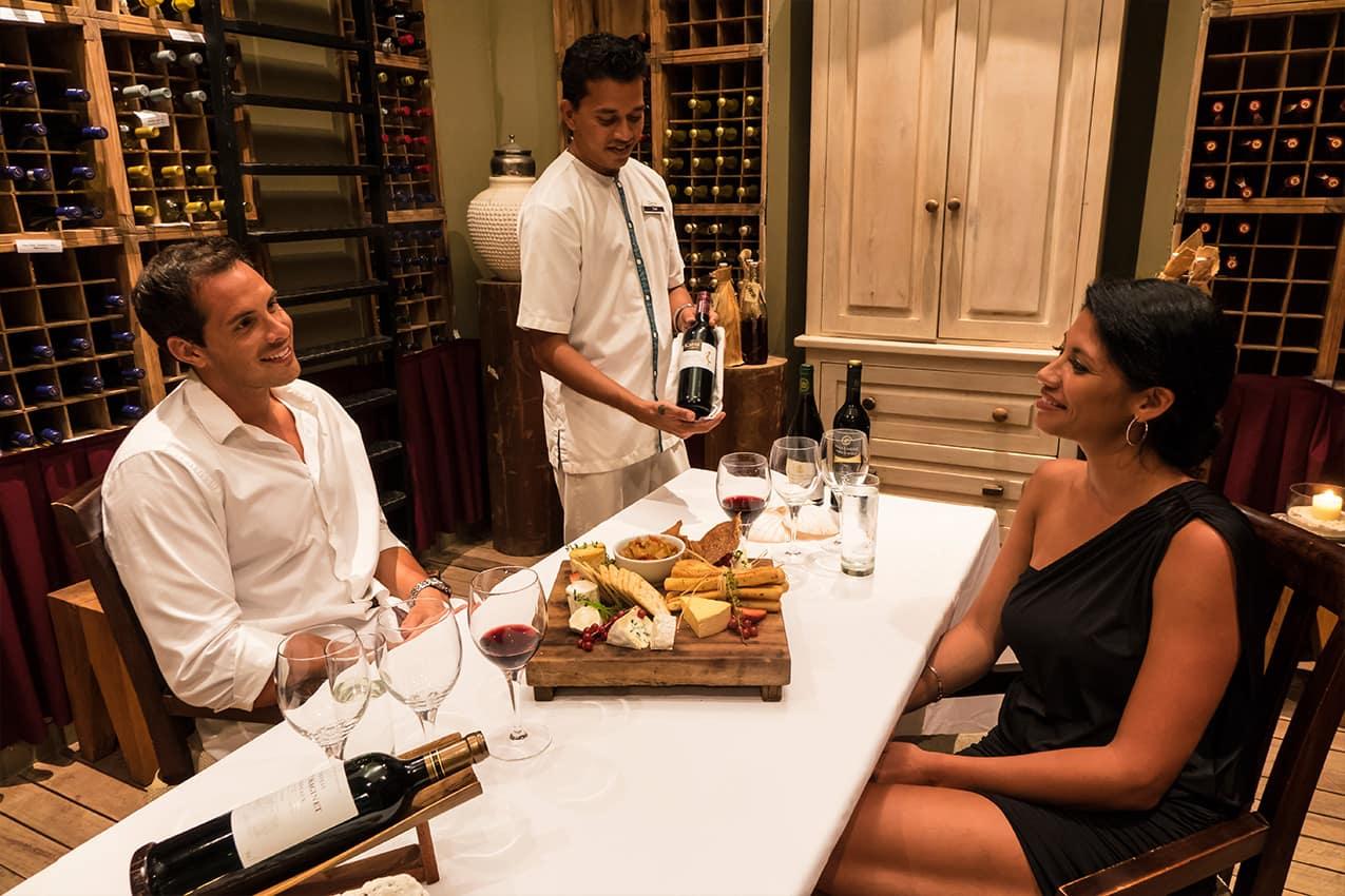 Jantar romântico, Denis Private Island