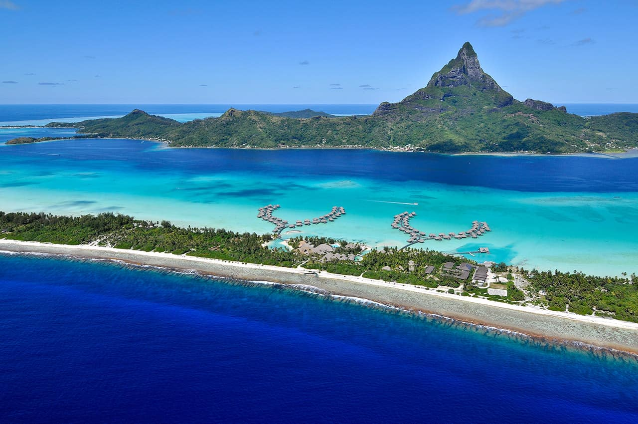 Vista aérea Intercontinental Bora Bora