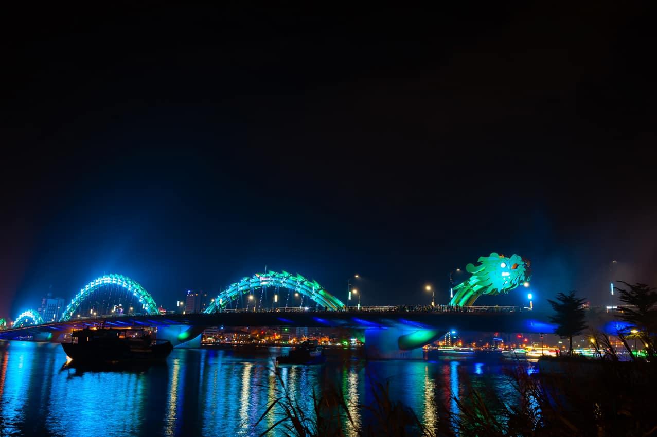 Atração turística Ponte Turquoise Dragon, Da Nang, Vietnã