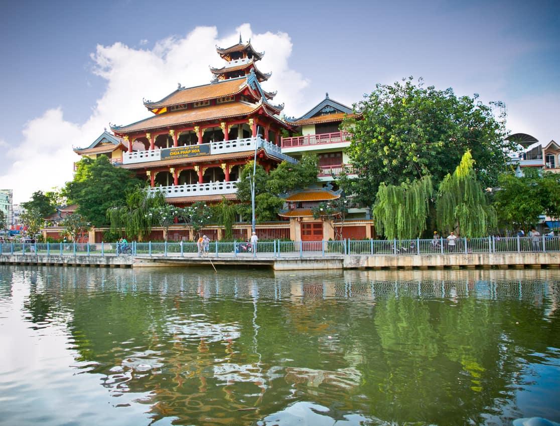 Ponto turístico: Templo Chua Phap Hoa, Ho Chi Minh, Vietnã