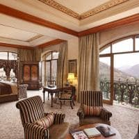 the palace king suite