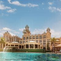 the palace piscina