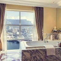 the table bay table mountain suite banho