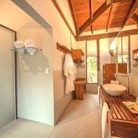 Cristalino lodge apartamento superior banheiro