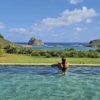 Nannai noronha brasil piscina