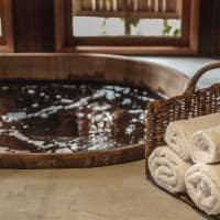 Pousada trijuncao quarto master banheira