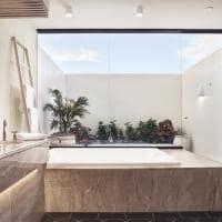 Belmond cap juluca banheiro beachfront junior suite king
