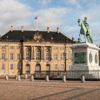 Estátua de Frederick V junto ao Palácio de Amalienborg.