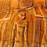 Hieróglifos em Kom Ombo, Luxor.