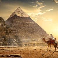 Nômade no deserto egípcio.