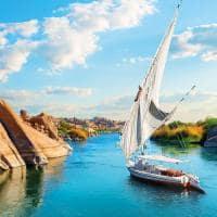 Passeio de feluca pelo rio Nilo