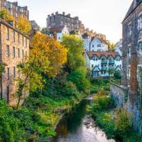 Edimburgo arquitetura em torno da agua de leith