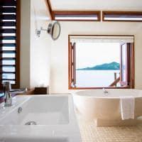 Banheiro Overwater Bure Bangalô, Likuliku Lagoon Resort