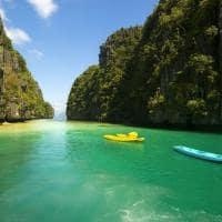 Caiaque na Lagoa El Nido, em Palawan, Filipinas