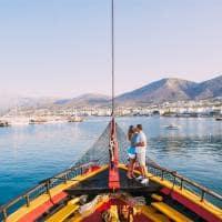 Atividades Grécia casal apaixonado lua de mel velejando