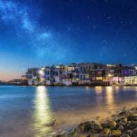 Ilha de Míconos a noite.